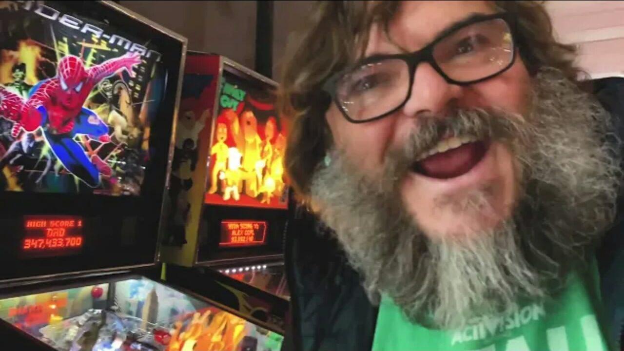 Jack Black Finalmente Juega Un Juego En Youtube Gaming Coffee
